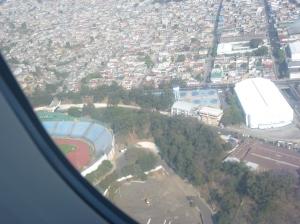 BSM alquiló un avión para recorrer los estadios de Guatemala, y sacar esta excelente foto al que creemos que es el de Comunicaciones.