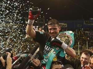 Maravilla-Martinez-celebra-victoria_OLEIMA20130427_0191_9