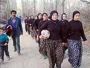 Las chicas del invencible Şalvarspor se visten como para cocinar un guiso, pero salen con la convicción de un Messi para conquistar torneos