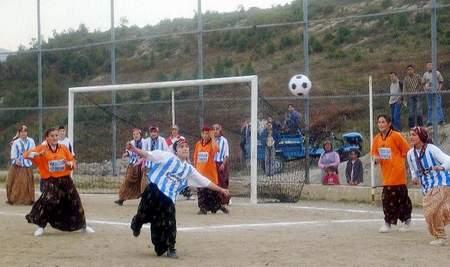 Se viene el gol de doble nacionalidad: chilena y turca