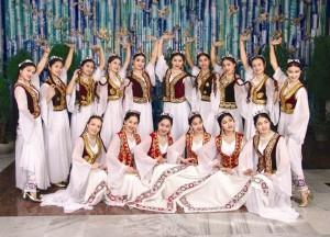 Las Uzbekitas, cheerleaders oficial de la selección