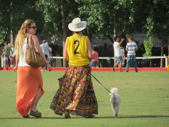El glamour de Pergamino paseando por Palermo como si fuese la San Nicolás