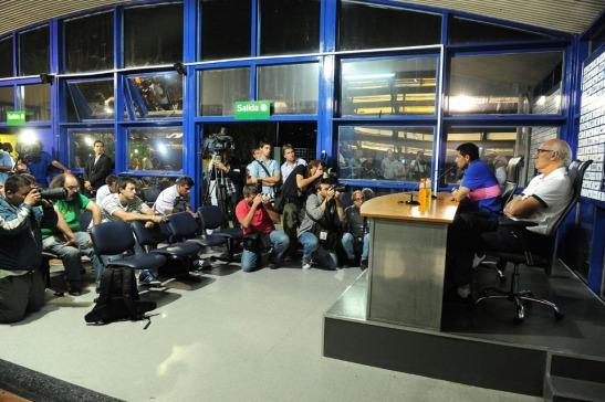 CONFERENCIA DE PRENSA DE RIQUELME Y BIANCHI FECHA 07/03/2014