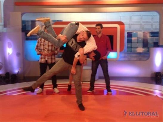 yuri maier entrena levantando a Chela