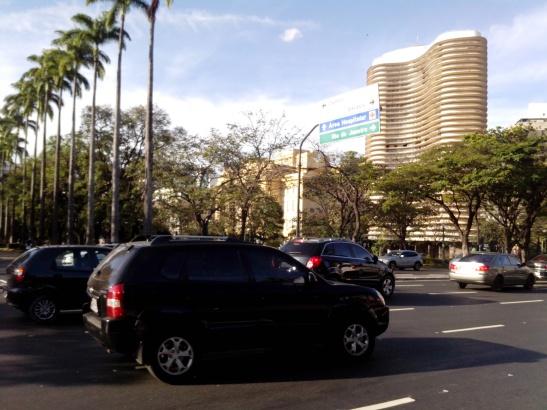 Niemeyers, palmeras y boulevares