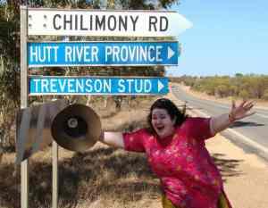 Julia Galvin llegando a su patria.